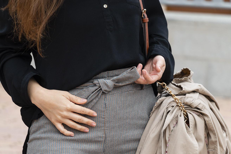 detalle pantalon paper bag