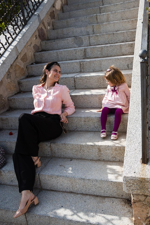 wide leg negro con camisa rosa, vestido The little king