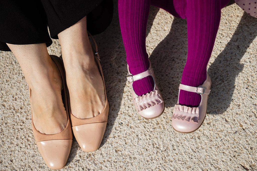 zapatos chanel rosas y andanines rosas